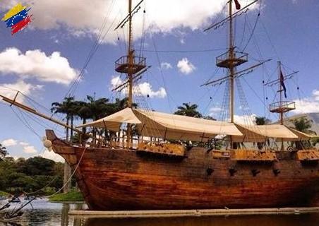 """Réplica del buque """"Leander"""""""