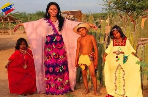 Mujer arawak con su vestimenta tradicional