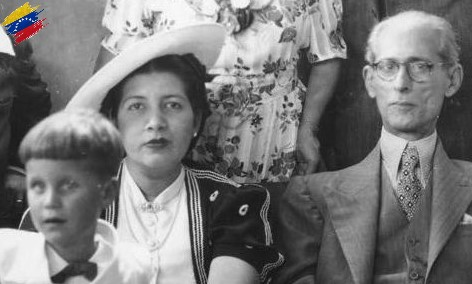 Eleazar López Contreras junto a su familia